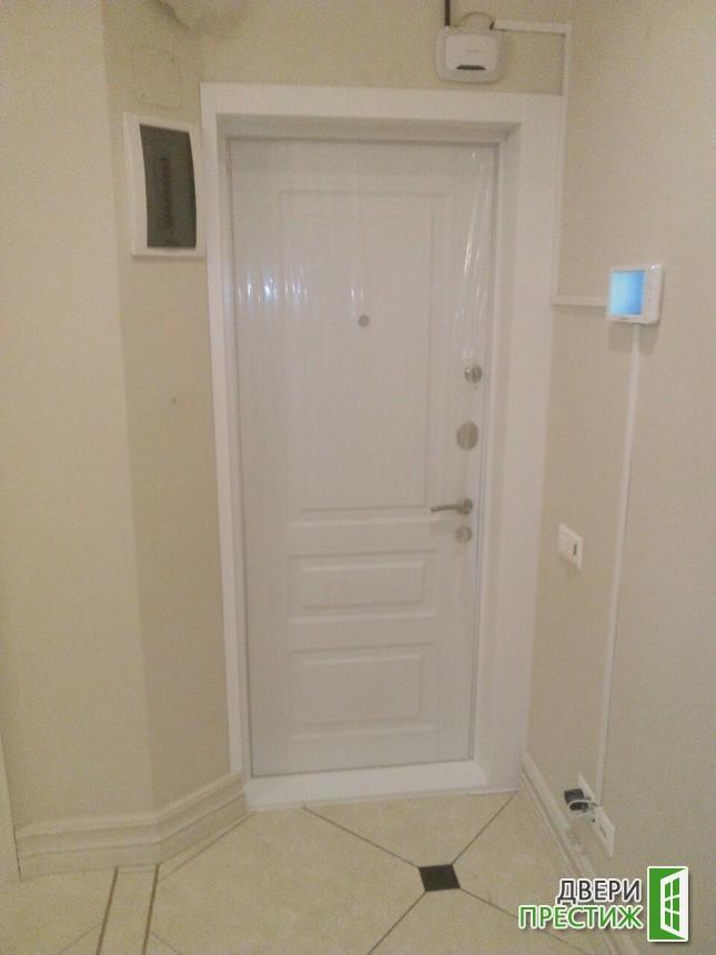 Отделка откосов входных металлических дверей - фото 3