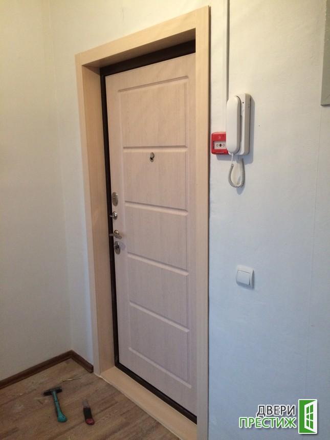 Отделка откосов входных металлических дверей - фото 2