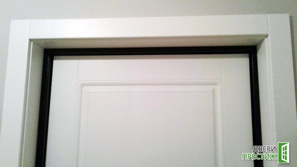 Отделка откоса входной двери МДФ панелями